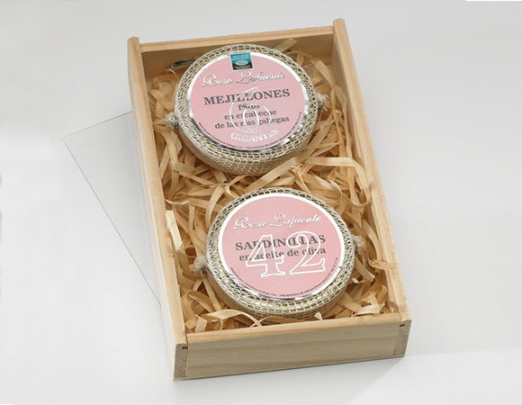Wooden box for 2 cans