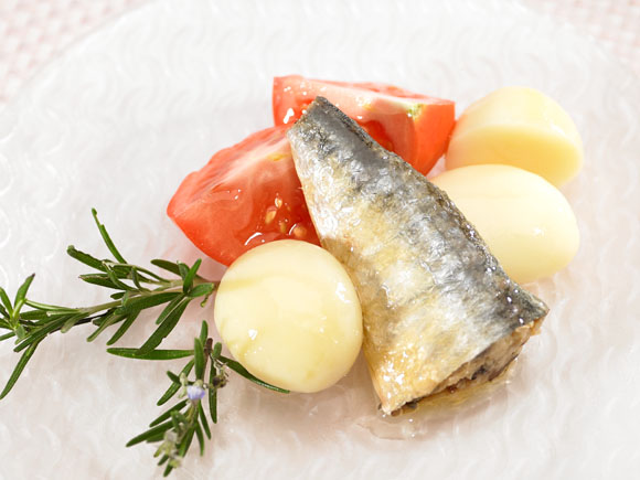 Sardines with tomato and potatoes